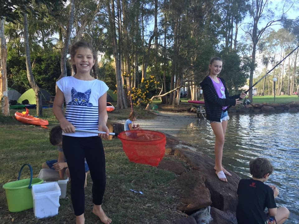 wooli-kids-river-fishing-fun